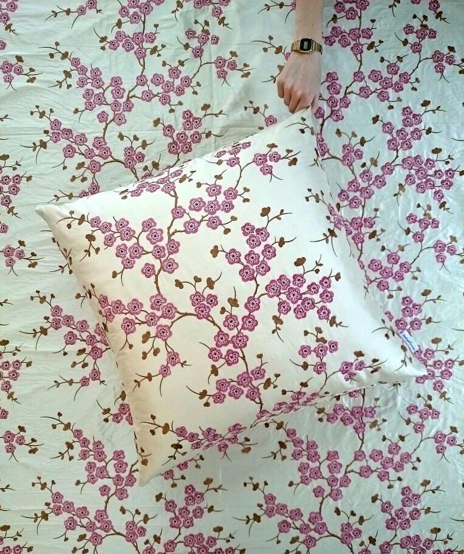 🌸🌸🌸 #nouveauté #atelier #showroom #coussin #cushion #textile #embrodery #silk #cherry #blossom #pink