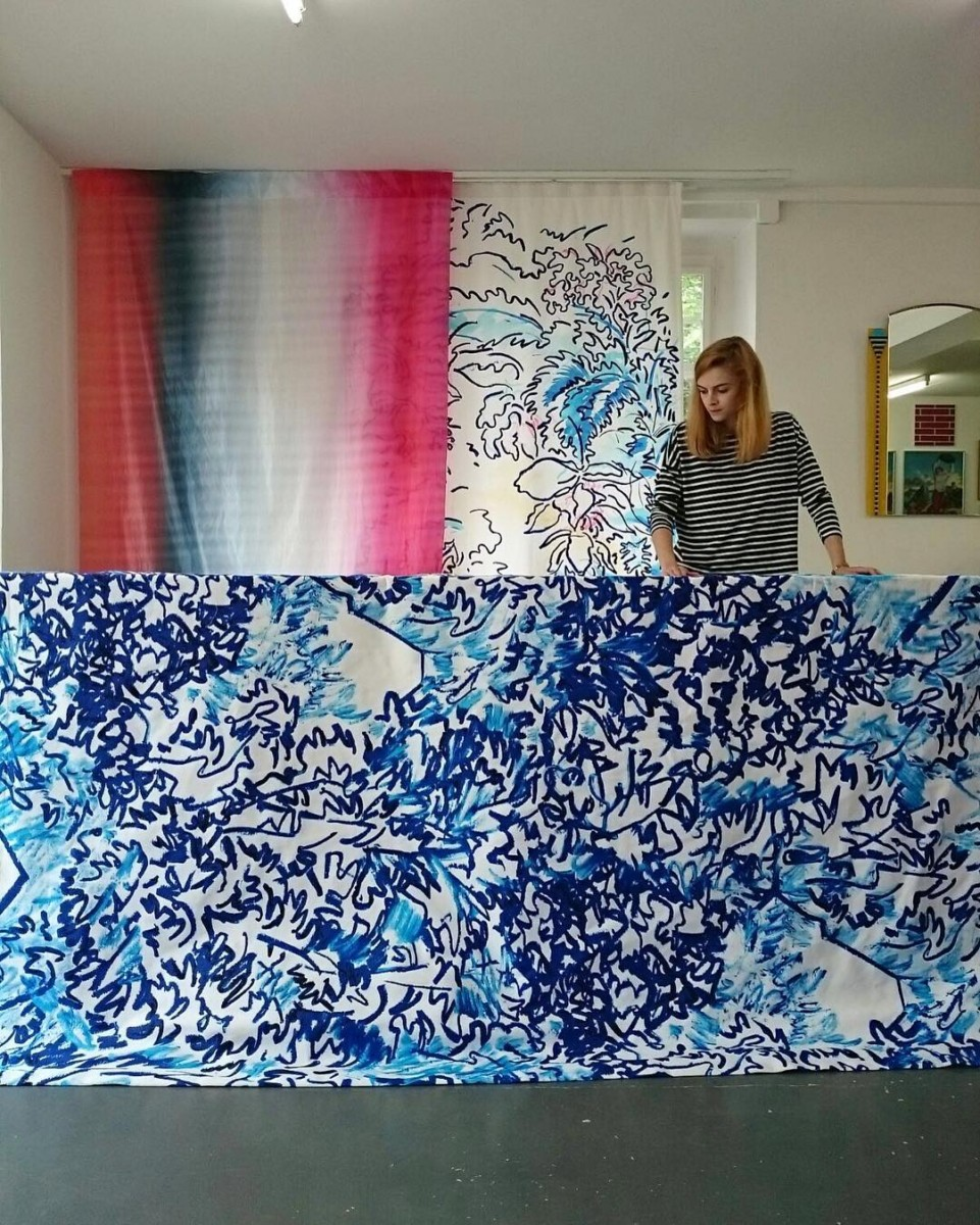 #workinprogress #atelier #rideaux #curtains #courtepointière #textile #thewildforest @clairedequenetain #curtainsareback #blue #colors #graphic #design