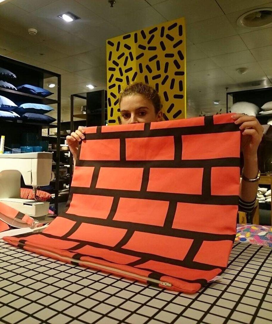 Les ateliers vladimir boson et claire lavigne ❌ Globus Lausanne  #atelier #coussin #cushion #textile #big #bricks #specialeedition #by #ateliervladimirboson #and #atelierclairelavigne #exhibition #madeforyou #globus #lausanne  @jean_crotti