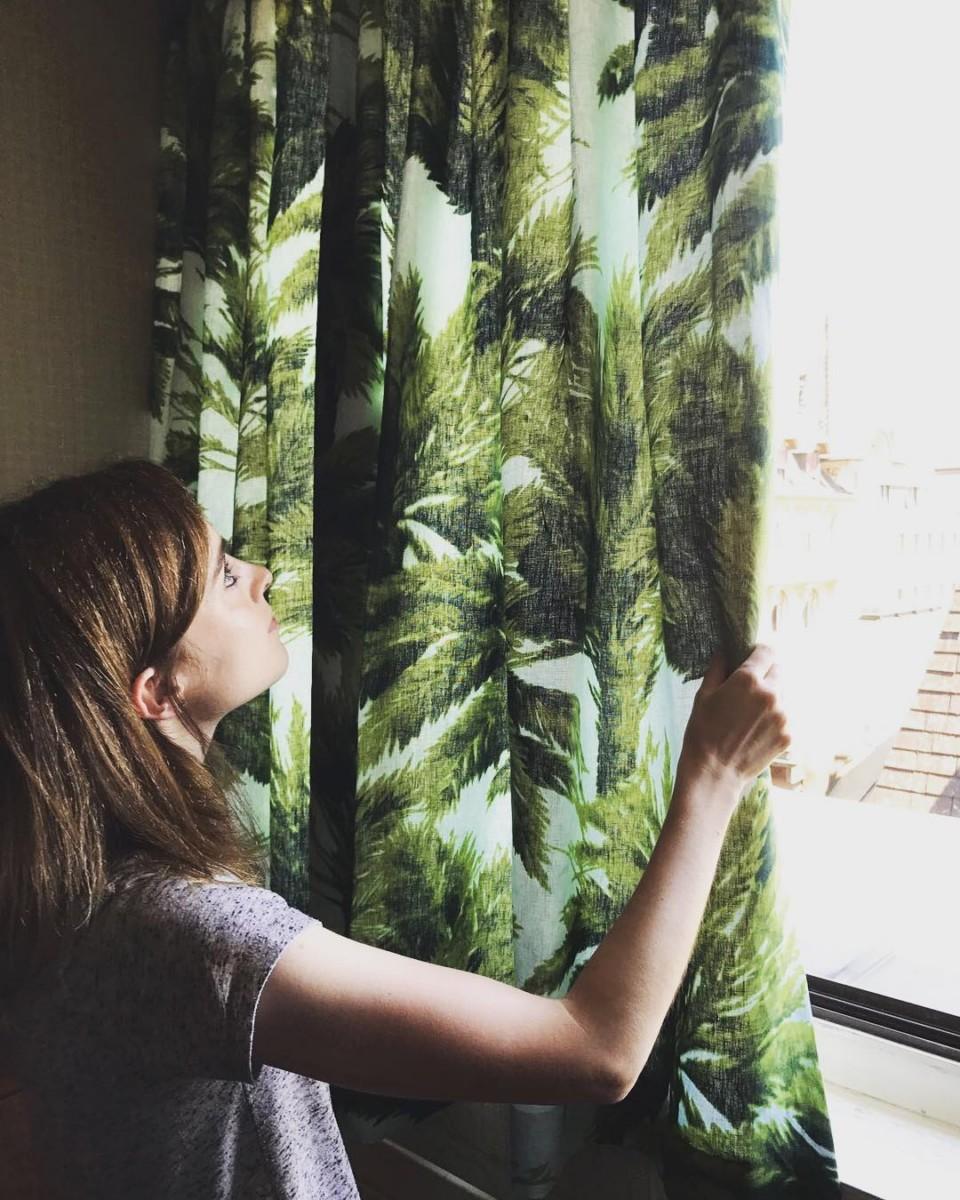 🌴🌴🌴#livraison #lausanne #courtepointière #rideaux #curtains #textile #mauritius @lamaisonpierrefrey #palmtrees #palmiers #colors
