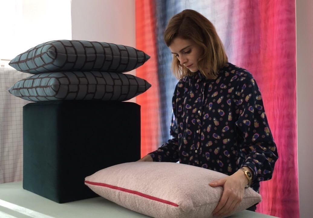 #atelier #courtepointière #pouf #footstool #coussins #cushions #textile #velvet #harald2 #kvadrat #outwall #dominiquekieffer #spa #elitis @sbiiinn #colors