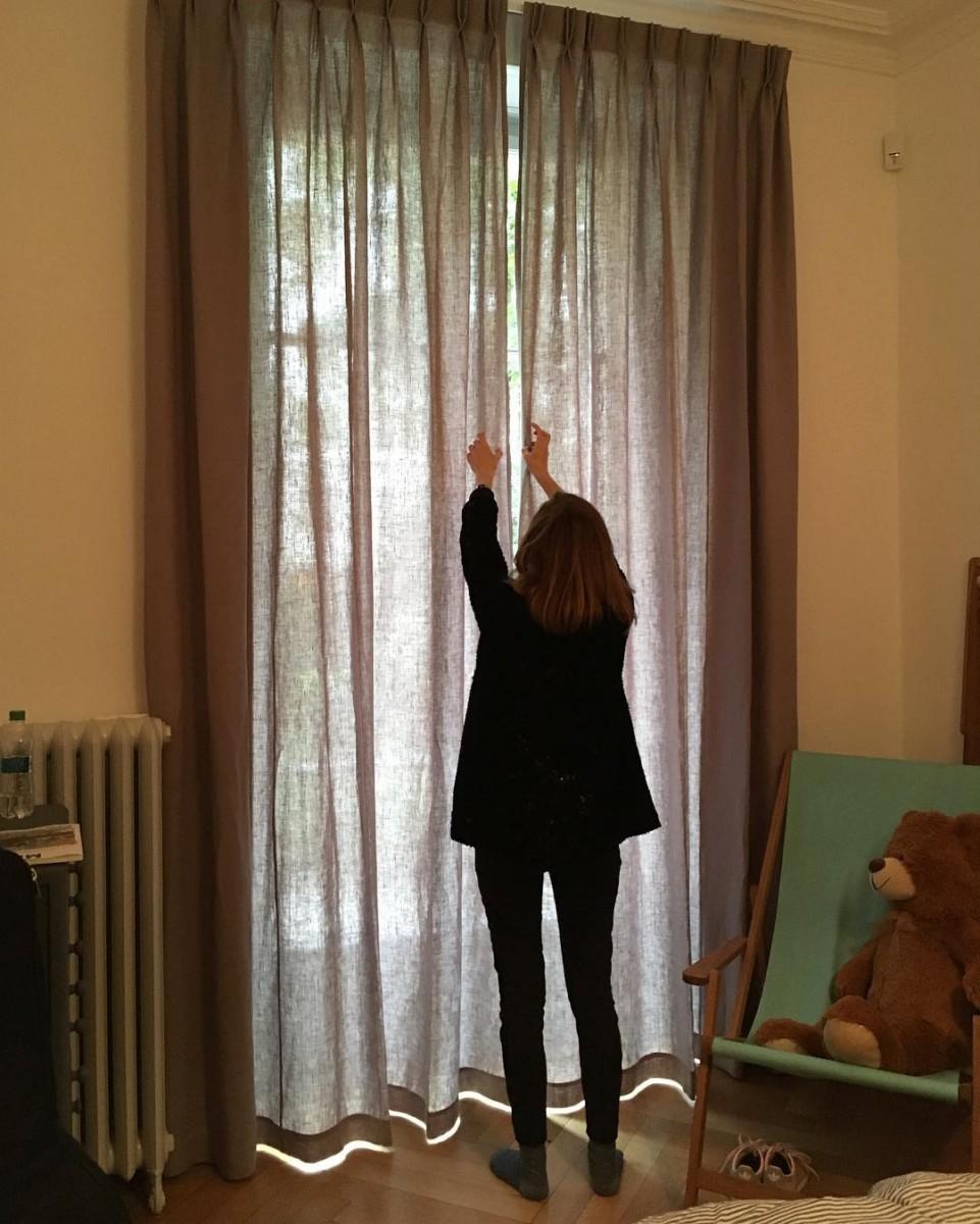 🐻 #posederideaux #courtepointière #rideaux #curtains #textile #lin #linen #genève @positivecolours