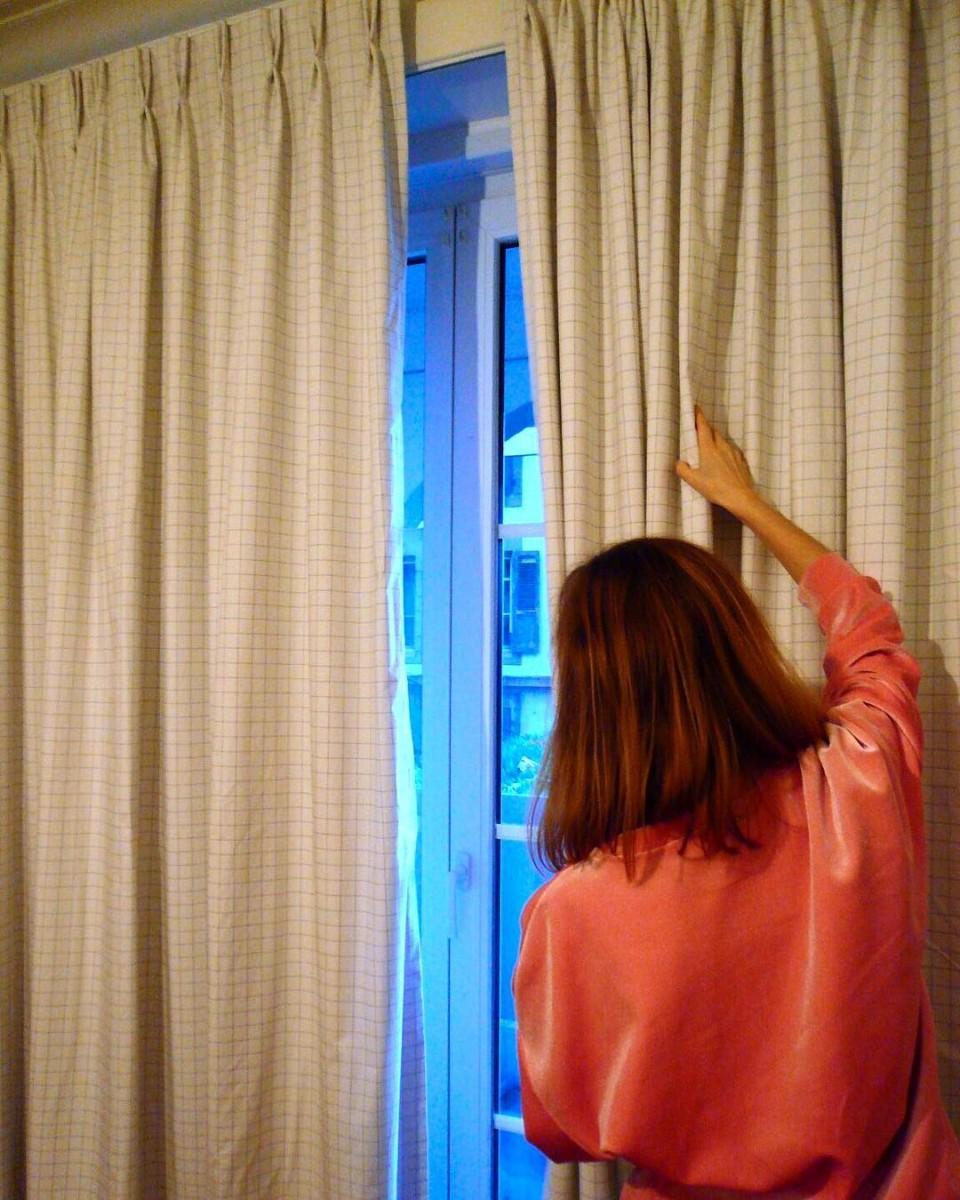 #posederideaux #lausanne #courtepointière #rideaux #curtains #textile #panokaro @creationbaumann #squares #carreaux