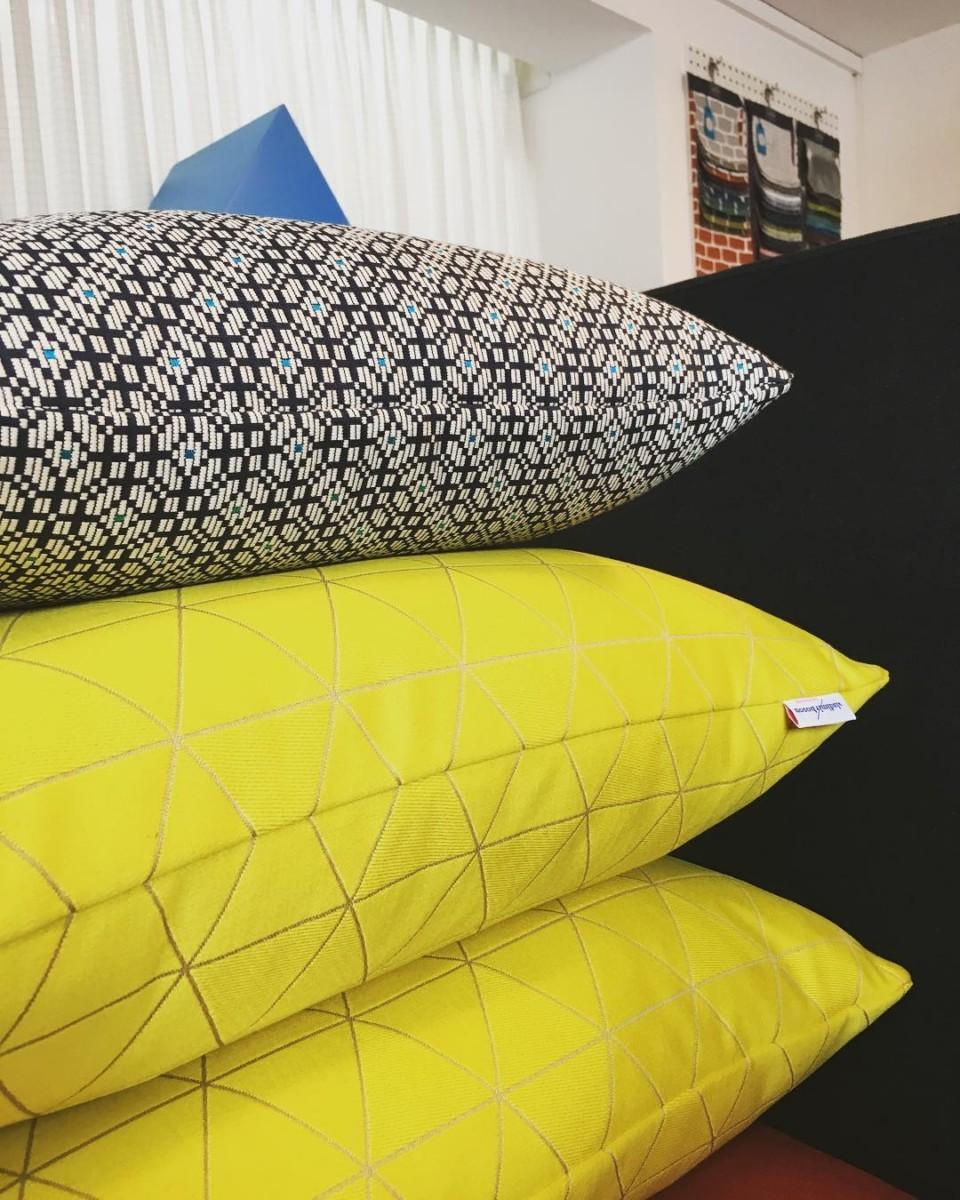 #atelier #courtepointière #coussins #cushions #textile #nasse #palanquin @lelievreparis #colors #graphic #design @laurelineduvillard @s_reichen